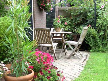 terras bij Bed and breakfast Groenekan